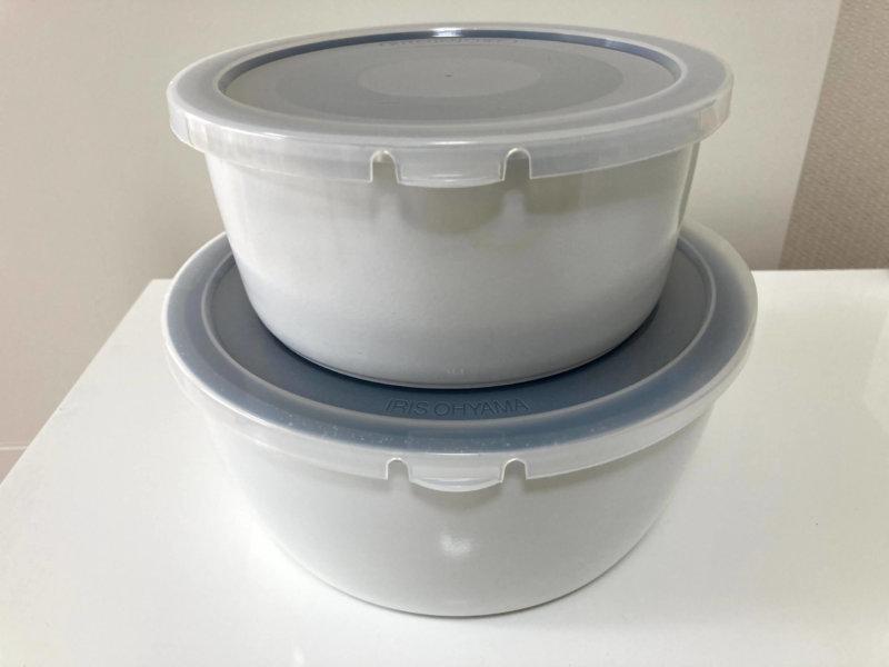アイリスオーヤマの鍋にシールふたをして積み重ねたところ
