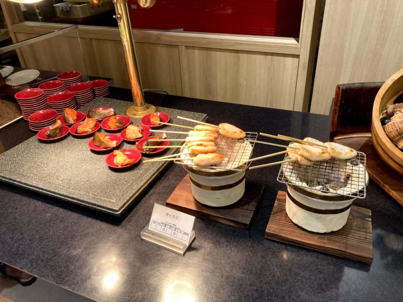 ホテル瑞鳳朝食ビュッフェの笹かまと鮭