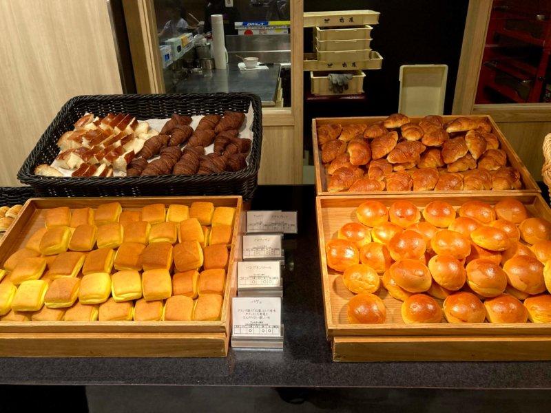 ホテル瑞鳳朝食ビュッフェのパン