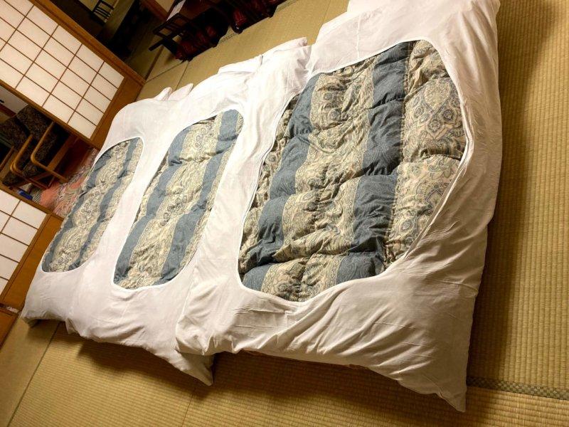 ホテル瑞鳳の部屋に敷かれた布団