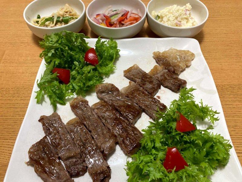 仙台の人気店「肉のいとう」の最高級A5ランク仙台牛サーロインステーキ