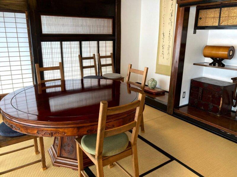 古民家カフェ「アキウ舎」の趣ある個室