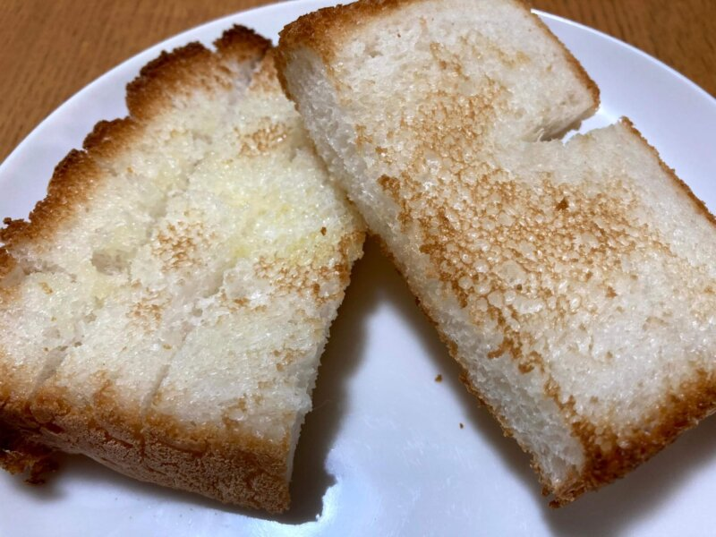 こんがり美味しそうに焼けたパン用米粉「ミズホチカラ」の米粉パン