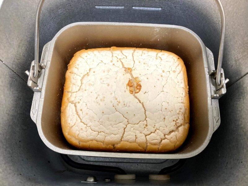 パン用米粉「ミズホチカラ」で作る米粉パンの焼き上がり