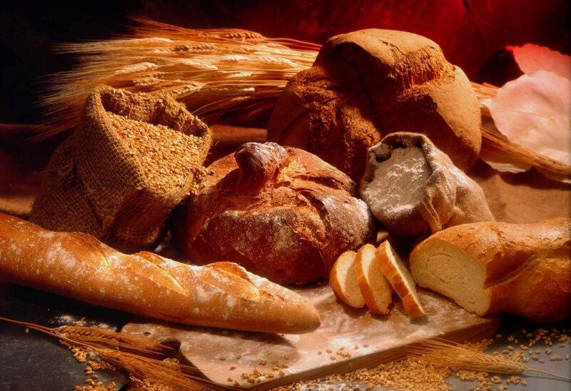 パンと小麦のイメージ写真