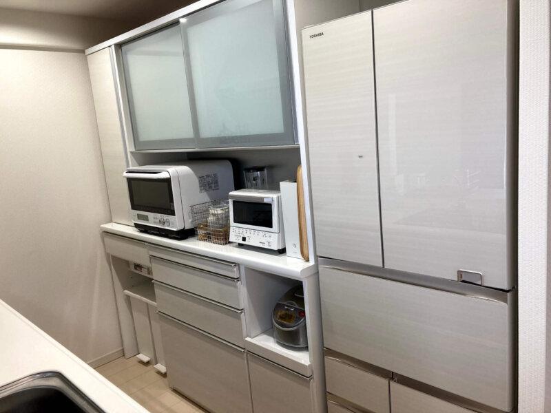 引っ越しを機に購入した松田家具の大きな食器棚