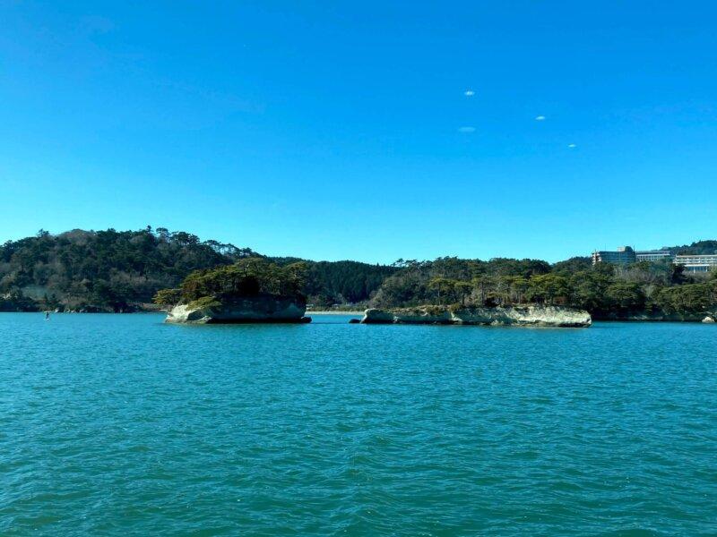 松島島巡り観光船『仁王丸』から見えた『双子島』
