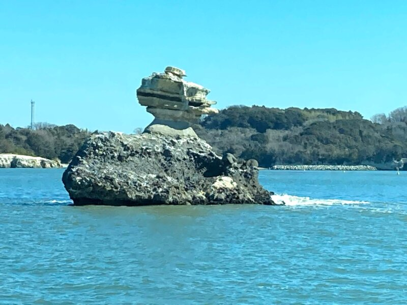 松島島巡り観光船『仁王丸』から見えた『仁王島』