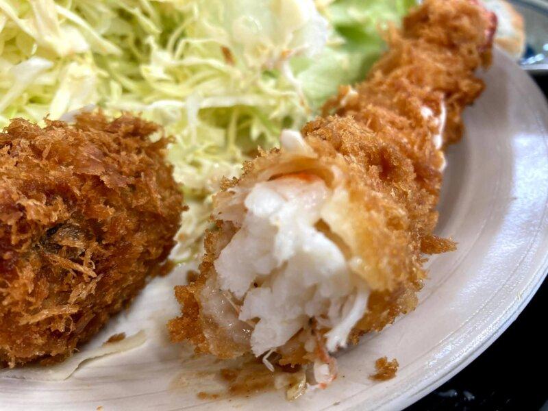 『漁師の海鮮丼』身がぎっしり詰まったエビフライ