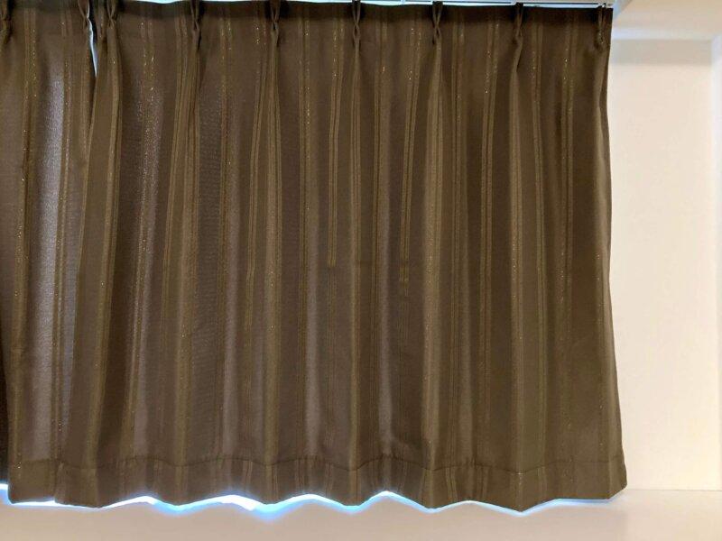 何とか完成したカーテンの裾上げ