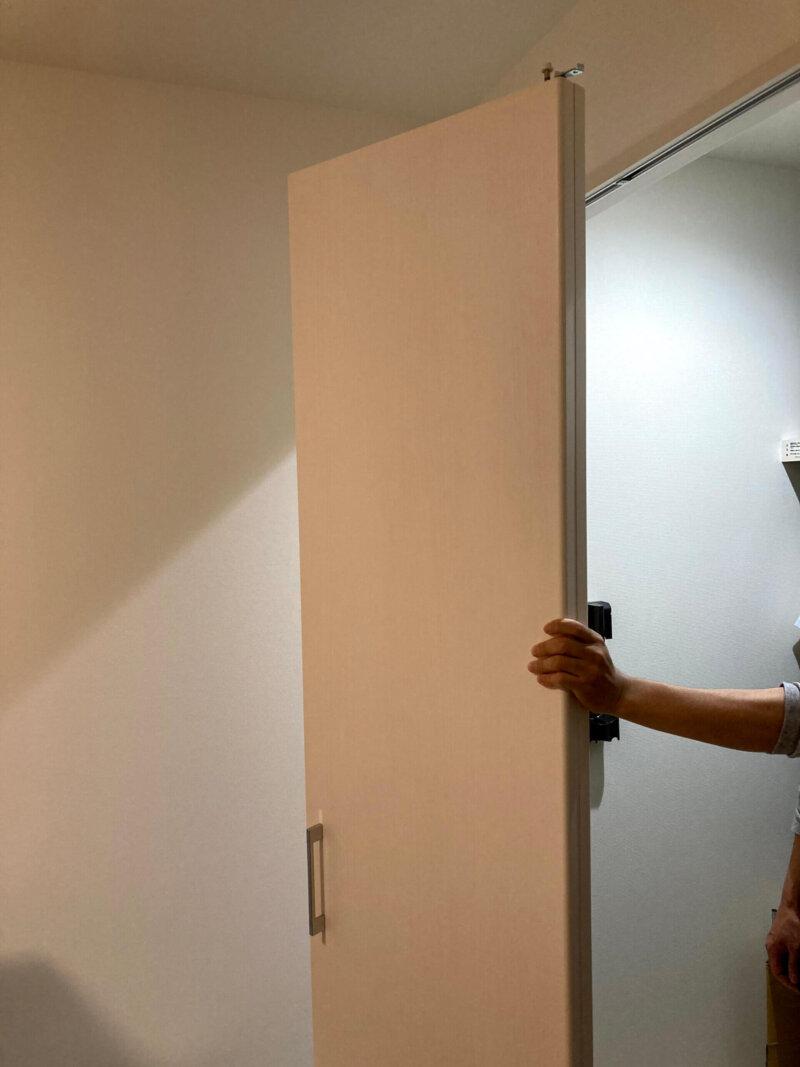 無事に取り外せた寝室クローゼットの折れ戸