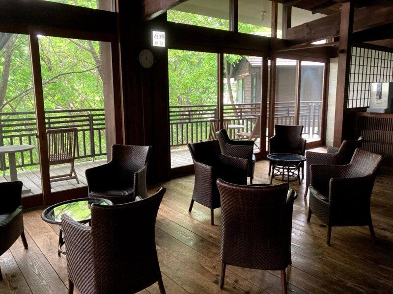 蔵王国際ホテル脱衣所外の休憩スペース