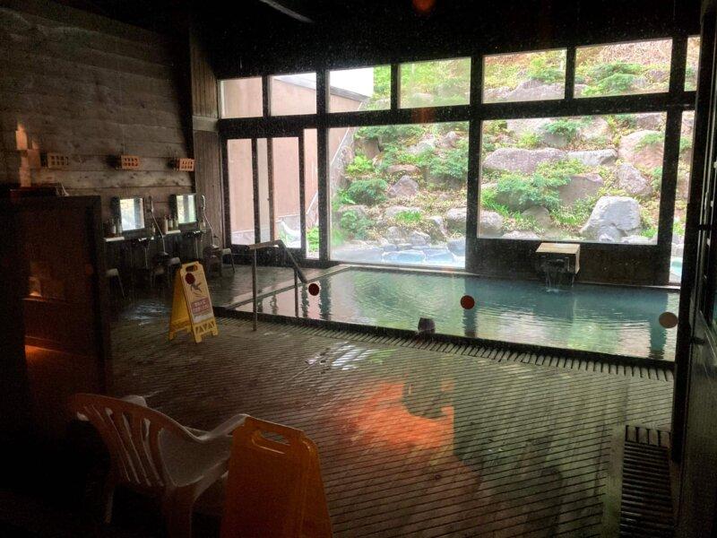 蔵王国際ホテル女湯の浴室内
