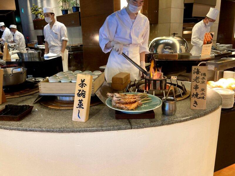 『鳴子ホテル』バイキングメニュー『海老串焼き・茶碗蒸し』