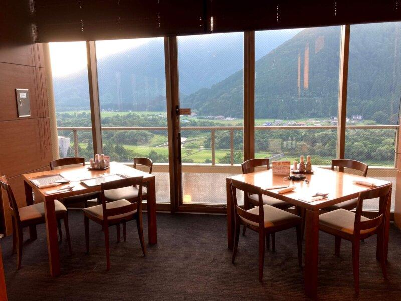 『鳴子ホテル』バイキング会場からの眺め