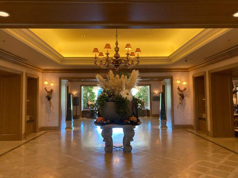 仙台ロイヤルパークホテルの豪華なロビー