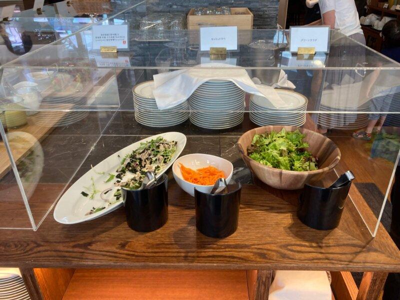 仙台ロイヤルパークホテルの『オールデイダイニングシェフズテラス』デリビュッフェのサラダコーナー